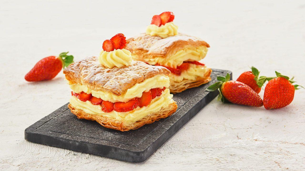 Meyveden Şeker – çilekli-milföy-pasta